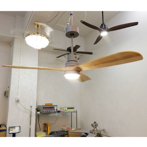 Wholesale home electric appliances AC low energy saving solid wood blade ceiling fans with LED light